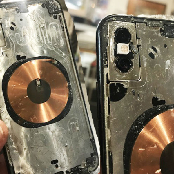 iPhone XS 10800円バックパネルガラス割れ交換修理店