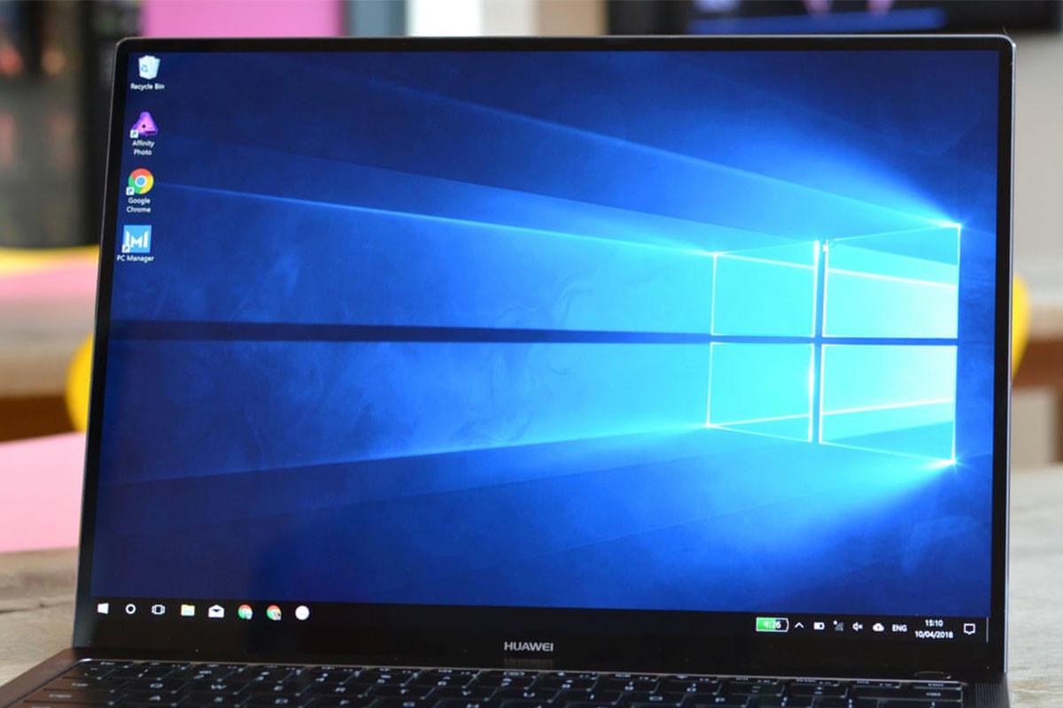 神戸元町 Windowsノートパソコン液晶画面交換修理