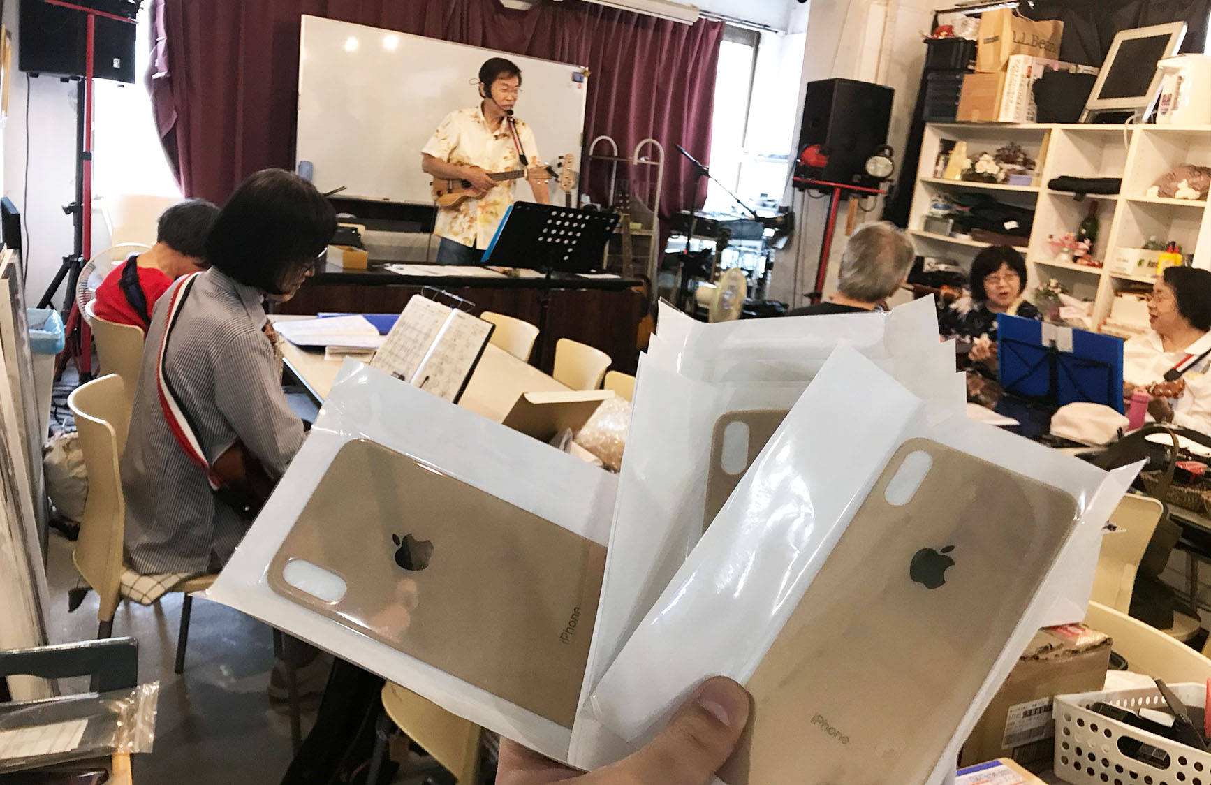 iPhone XS / iPhone XS Max 背面バックパネルガラス修理1